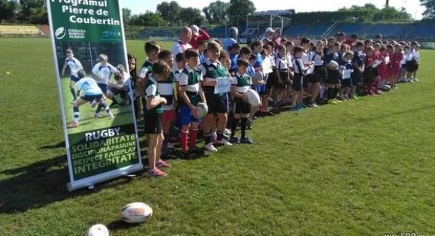 """Rugbyștii de la Școala ,,Manolache Costache Epureanu"""", argint la etapa națională a ONSS. Mîrzac Rareș a fost desemnat cel mai tehnic jucător"""